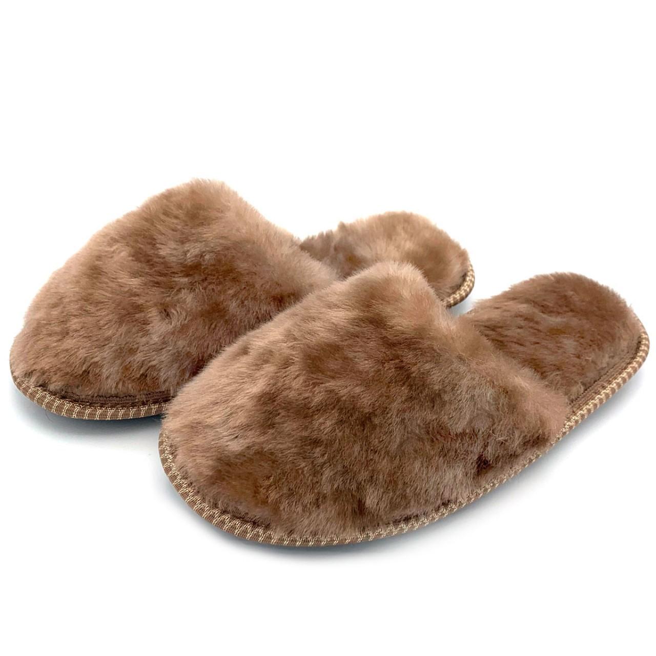 Тапочки из овчины коричневые на резиновой подошве